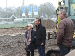 plaatje: //www.almerebowlsclub.nl/download/fotos/outdoorbaan-Enschede/start-aanleg_3432