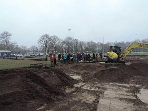 plaatje: //www.almerebowlsclub.nl/download/fotos/outdoorbaan-Enschede/startsein-bb-enschede2