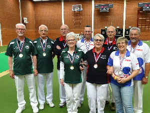 plaatje: //www.almerebowlsclub.nl/download/nk/2017/indoor/triples/fotos/prijswinnaars
